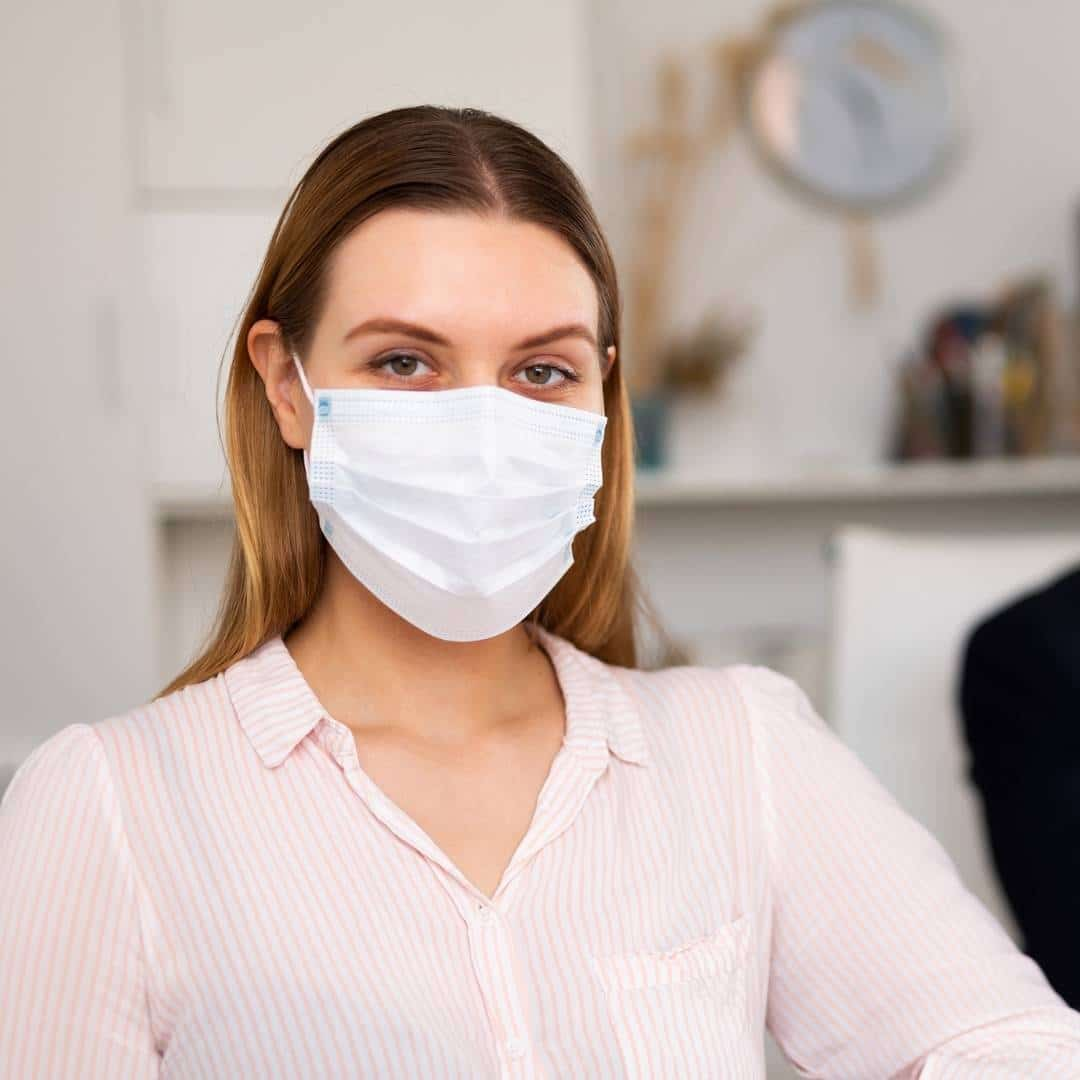 office worker masked ventilation healthy workplace covid-19 kw engineering